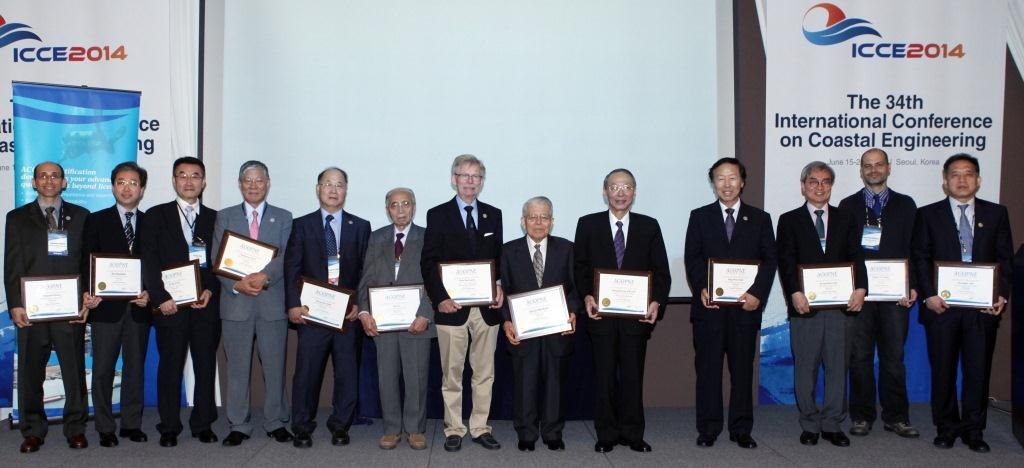 Group photo - small.jpg